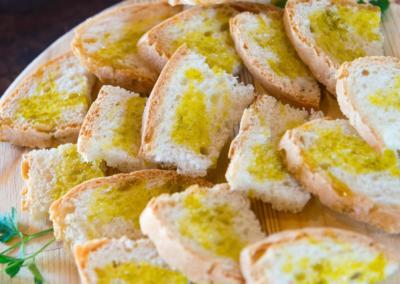 Azienda Agricola Pomario - olivenolje på brød - pane e olio