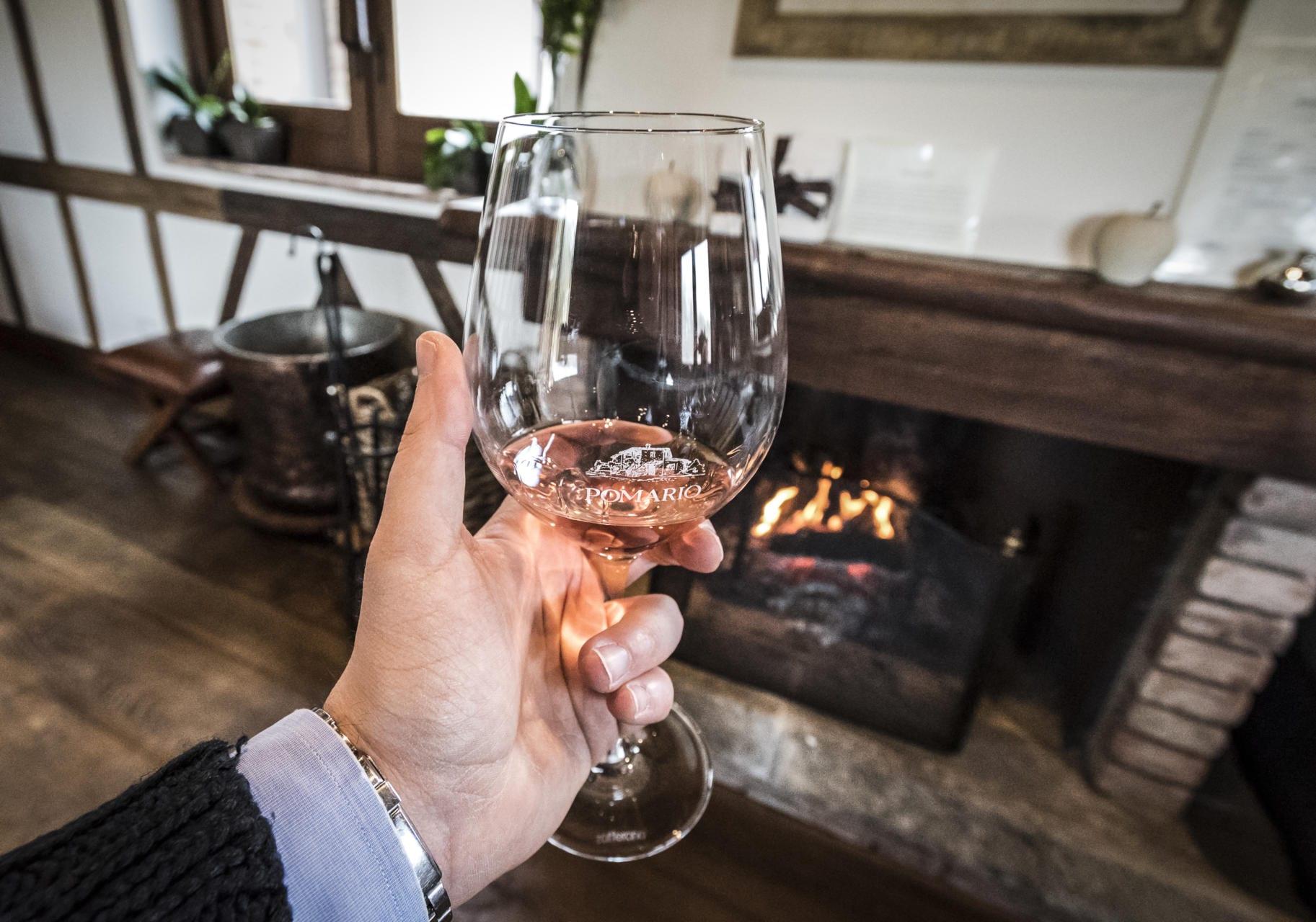 Prøvesmaking av vin - Foto: Paolo Menchetti